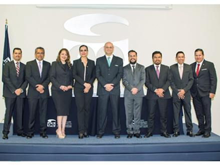 Egresados Licenciatura en Derecho_ IEE Guadalajara_02